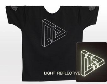 Optical Illusion T-shirt . light reflective silver print