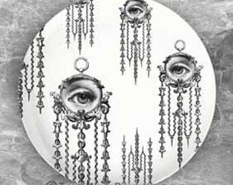 Lina Cavalieri Watch III plate