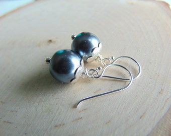 Sale Sterling silverEarrings,PEARL Earrings, petite nature inspired