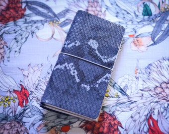 Traveler's Notebook - Midnight Dragon - Leather - Notebook - Journal - Comes With Pockets