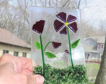 Purple Fused Glass Flower Suncatcher, Spring and Summer Stained Glass Suncatcher, Purple Fused Glass Flowers, Spring Sun Catcher, Garden Art