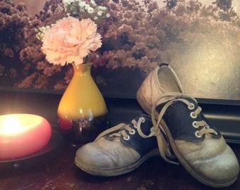 Antique Children's Shoes..Blue and White Saddle Shoes..Oxford Shoes..Boys Shoes..Girls Shoes..Size 9..Lazy Bones Shoes