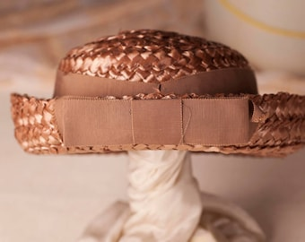 Vintage 50s taupe cellophane hat with ribbon by Dayne.