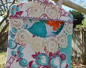 Cool BURGUNDY TEAL FRUIT Clothespin Bag Fresh Air Line Drying Vintage Crochet Trim Rick Rack Roomy Pocket Sturdy Handmade, Pinch Pegs Hanger