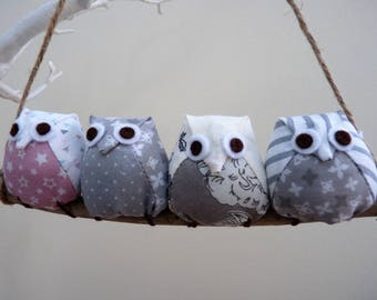 Owls on a branch, 4 pink and grey owls
