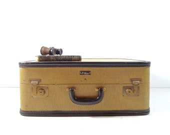 Vintage Tweed Suitcase / 1940s Amelia Earhart Yellow Tweed Suitcase / Vintage Luggage