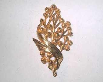 Vintage Costume Jewelry Berry Brooch Pin, Goldtone Metal, WAS 15.00 - 50% = 7.50