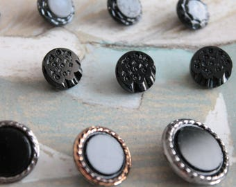 12 old black glass buttons, sewing of the early twentieth century, French vintage haberdashery, 977 978 979 buttons