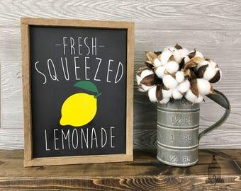 "Fresh Squeezed Lemonade, Farm Sign, Farmhouse Decor, Lemonade Sign, Lemonade Decor, Summer Decor, Tobacco Lath Frame (11"" x 8"")"