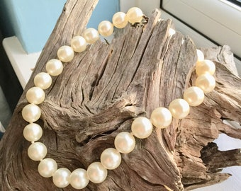 Pearl Choker Style Necklace