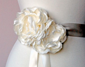 Wedding Sash Flowers, Bridal Accessories, Bridal Sash Accessories, Wedding Accessories - Hair Flower Set  - Brooch - In Off White or Ivory