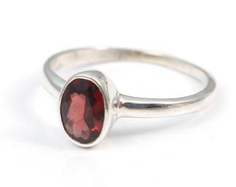 Garnet 92.5 sterling silver ring size 7 us
