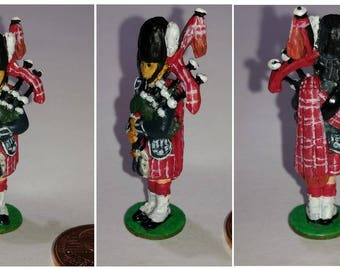 12th scale dolls house Scottish Piper