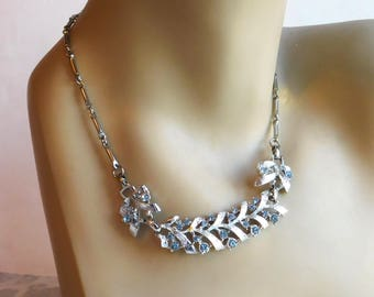Vintage Mid-Century 1950s Blue Rhinestone Necklace - Silvertone Metal Link Necklace - 17-Inch Necklace - Etched Ribbon Theme - Faux Silver