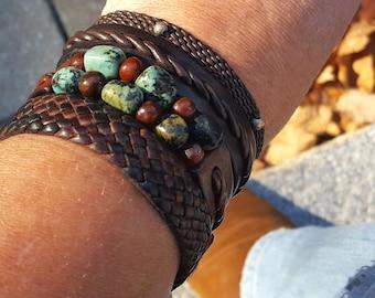 Bracelet en cuir Kuende Turquoise, Turquoise africaine & perles de cornaline, Bracelet en perles, tressé Bracelet manchette en cuir, bijoux en cuir Boho