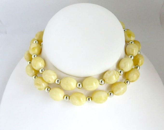 Vintage Necklace, Yellow Bead Necklace, Long Necklace,  Lemon Swirl Necklace, Mid Century Jewelry, Silver Bead Necklace