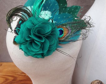 Headpiece Fascinator comes love Bridal Wedding Peacock Bridesmaid mint green teal emerald green feathers veil burlesque boho bride turquoise