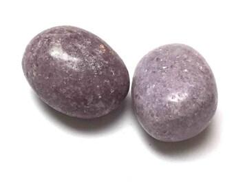 Tumbled Lepidolite. Lavendar Silver. Tumbled Stone. Gemstone Undrilled. Reiki. Matrix Stone. Wire Wrapping. 27mm - 30mm. One (1)