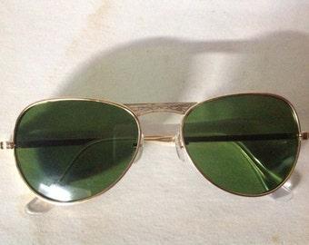 True Vintage MOD Aviator Sunglasses Gold Metal Frame Green Glass Lenses Japan NOS 1342