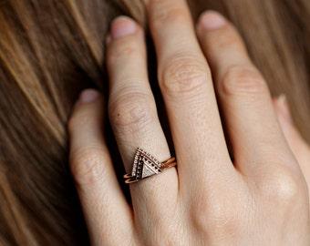 Diamond Ring Set, Modern Engagement Ring Set, Trillion Diamond Ring with Pave Diamond V Ring, Black Diamond White Diamond Ring Set