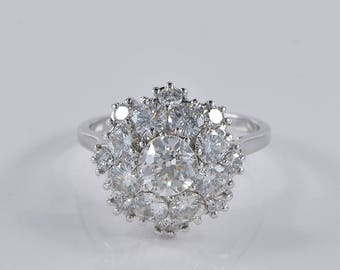 Fantastic 2.95 Ct diamond Retro daisy ring