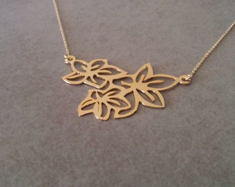 Gold Flower Necklace, Flower Necklace, Gold Pendant Necklace, Flower Jewellery, Wedding Jewelry, Everyday Necklace, Gold Necklace, By Hila