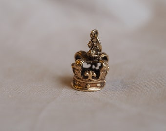 Adorable yet regal, very detailed vintage 9K rosy yellow gold crown charm/pendant