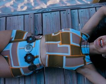 Geometric high waisted bikini shorts