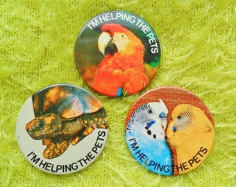 Vintage Retro I'm Helping The Pets Nature Conservation Tortoise Parrot Budgie Bird Ornithology Pin Badge