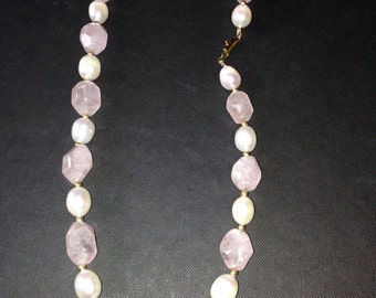 18k yellow gold retro style necklace with gemstones and pearls