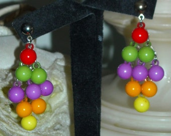 Vintage 1960s Dangling Lucite Multi Color Bead Earrings