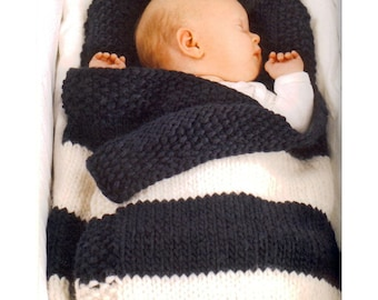 Baby footmuff knitted