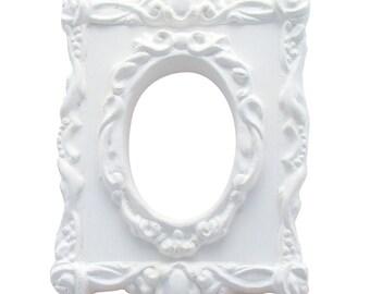Baroque oval plaster frame