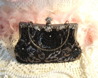 Vintage small evening bag sequined, beaded, nice clasp