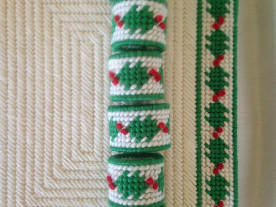 12 Piece Needlepoint on Plastic Christmas Placemat-Napkin Ring Set