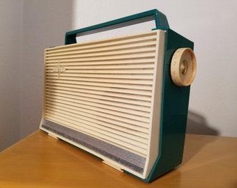 Rare Silvertone Portable Tube Radio