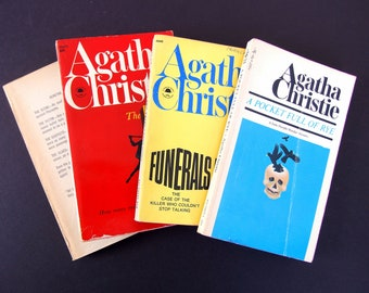 4 Agatha Christie Mysteries, Paperback Books