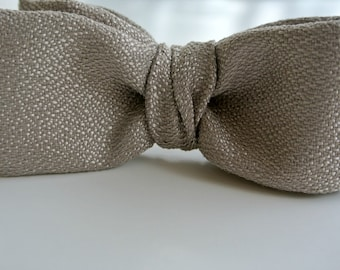 Gray Men's Bow Tie , Platinum Gray Bow Tie , Boys Bow Tie , Pre-tied Bow Tie , Clip-On Bow Tie , Bowtie , Men's Bowtie , Men's Wear