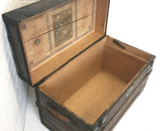Antique Flat Top Steamer Trunk, Vintage Blanket Chest, Coffee Table with Storage