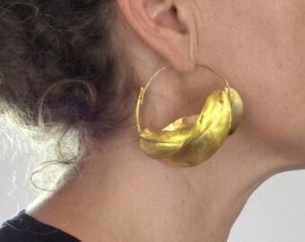 Big Fulani brass earrings from West Africa, african tribal ethnic earrings, Fulani Peul jewellery - 6 cm wide