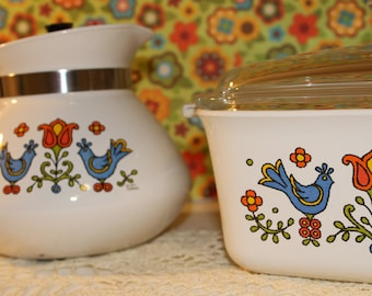 "FREE SHIPPING.......Vintage 1975 Corning Ware Country Festival "" Friendship"" Blue Birds Casserole Half Quart and Tea Pot"