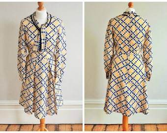 "1960s 60s Vintage Carnegie of London Mod Dress / Ric Rac Print Day Dress / 26"" waist"