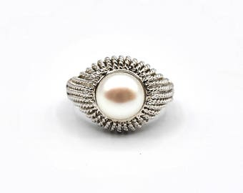Sterling Silver Fresh Water Pearl Twist Design Ring