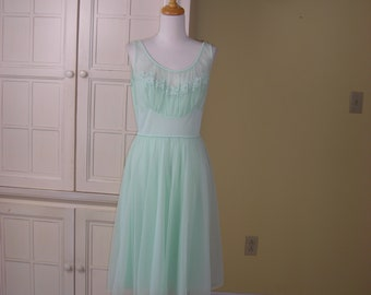 50's, 60's  gorgeous mint green night gown, all nylon, Shadowline, size 36, like new condition so lovely