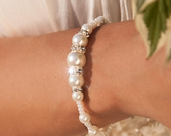 Pearl bridesmaid bracelet, Ivory Beach wedding Bridal jewelry, Gift for her, Bridesmaid gift, Gift for women, Elastic pearl bracelet