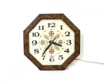 vintage wall clock 70's 80's kitchen floral design timex home decor 1970's