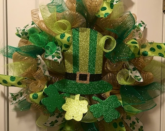 St Patrick's Day Wreath (leprechaun hat and four leaf  clovers)