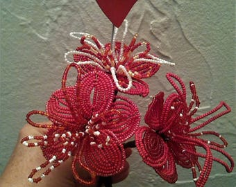 Flower arrangement. Bouquet of 3 flowers in red seed beads and heart.  Gift.