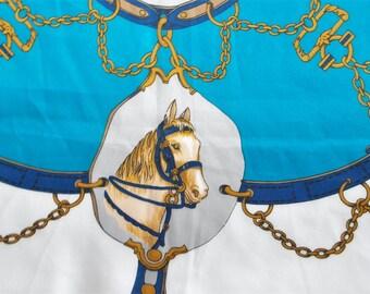 Pferd mit Zaumzeug Kopftuch türkis gold Reitsport Design sportlich Goldene Ketten Dekor