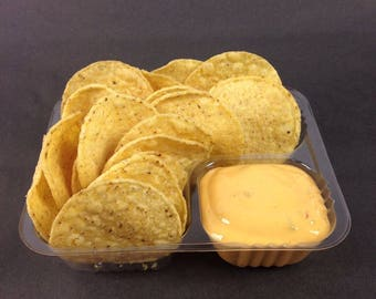 """Disposable Nacho Trays, Clear 2 Compartment, Small Size, 6"""" X 5"""" X 1/2"""""""
